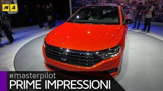 Volkswagen Jetta 2018, la Golf 7 americana ha tre volumi | Live from Detroit