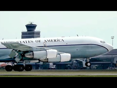 SMOKING 56 Years Old B707! U.S. Air Force Boeing OC-135B Landing in Prague