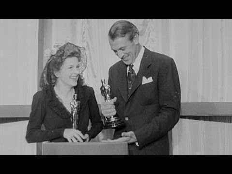 Joan Fontaine and Gary Cooper Win Acting Awards: 1942 Oscars