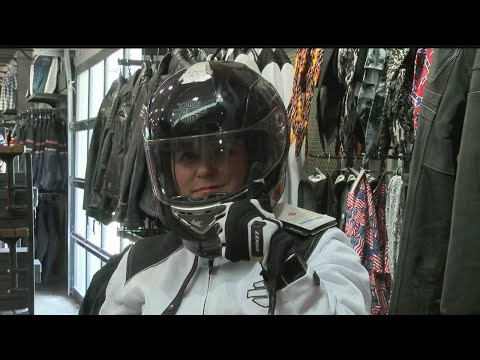 Investigative Reporter Amanda Smith learns what it takes to get a motorcycle license pt. 1