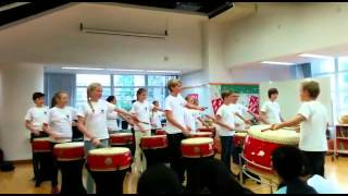 German boys and girls played Chinese Drums_Part1
