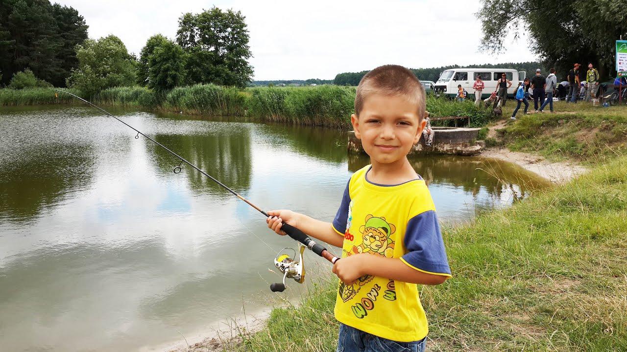 Рыбалка на лесном озере поплавочная удочка