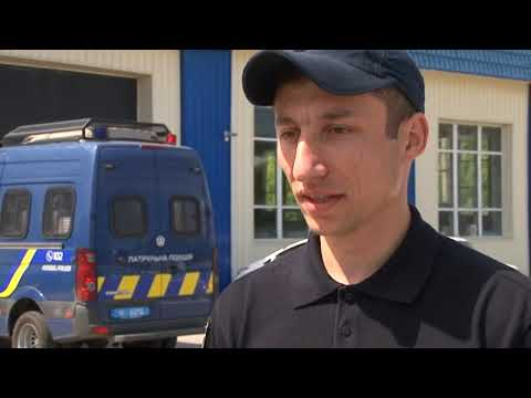 На Харківщині відвідувач грального закладу напав на поліцейських з ножем