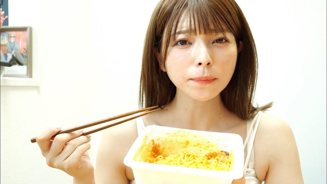 タンクトップで蒙古タンメン中本北極食う女