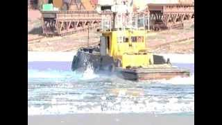 Буксир мешает зимней рыбалке. Запорожье.(, 2012-03-30T12:49:46.000Z)