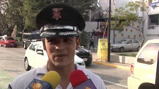 """Las Noticias - Causa furor policia """"guapo"""" en Guadalajara"""
