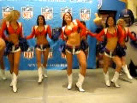 Cheerleaders Denver Broncos México 2009.AVI