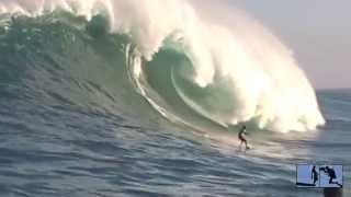 Tow Surfing Jaws Peahi Maui December 15 2004