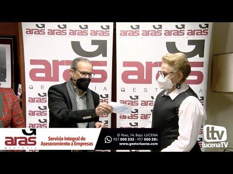 VÍDEO: Gestoría Aras entrega 2.000 euros a ALUFI tras la venta de sus calendarios con fotos antiguas de Lucena
