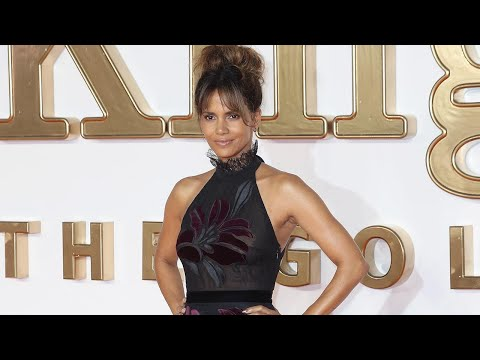 EXCLUSIVE: Halle Berry Shows Off Sexy Backside at 'Kingsman' Premiere, But Blushes Over Complimen…