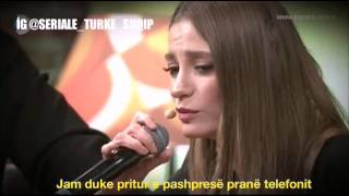 Serenay Sarıkaya - Bir telefon (Një telefon) mp3