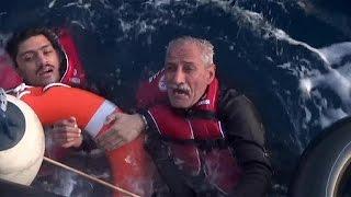 مقتل مهاجرين تحطمت زوارقهم في بحر إيجة