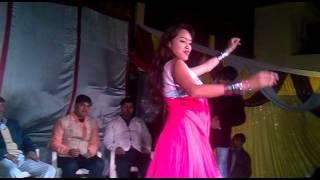 mujhe naulakha manga de sunny leon dance mau girhast plaza - vicky 8175956987