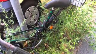 немецкие новости: композиция из брошенного велосипеда и бурьяна...(, 2014-10-03T10:07:36.000Z)