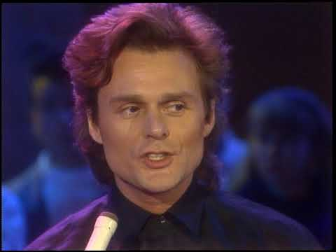 American Bandstand 1987- Interview Michael Des Barres