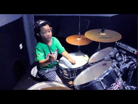 Munajat Cinta - The Rock (Drum Cover by Mazel Aryaputra, 6 Years Old)
