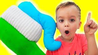 Vlad und Nikita - Morgenroutine für Kinder mit Riesenspielzeug