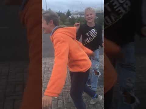 Школьника жестоко избили за то что он не смог поставить олли