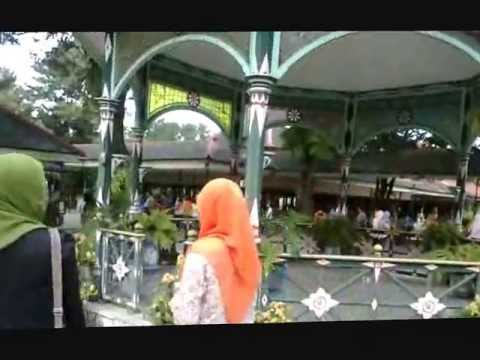 English For Tourism ( Tour Guide in Kraton Yogyakarta )