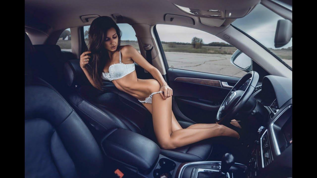 Сексуальная девушка с машиной