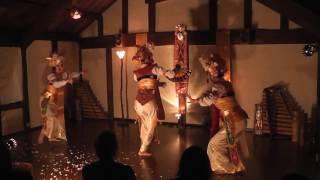 2016年12月18日 縄文うさぎ10周年バリ祭りにて バリ舞踊スカ...