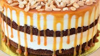 видео Домашний муссовый торт с клубникой, орехами и карамелью - как испечь муссовый торт с компоте из клубники в домашних условиях, пошаговый рецепт с фото