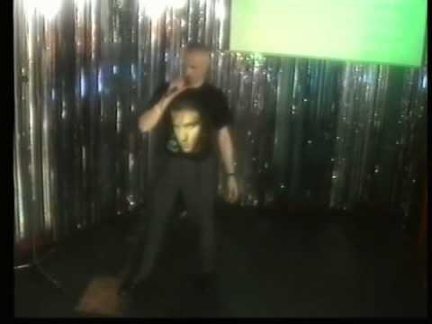 NIGEL ON KARAOKE IN BLACKPOOL 2006 Singing Elvis American Triology I Cant Help in Believing & David