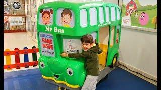Kids Fun Ride on the Bus * Ninos montando en el Autobus