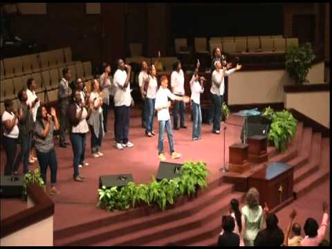 "Transparent Choir sings ""Greatness of You"""
