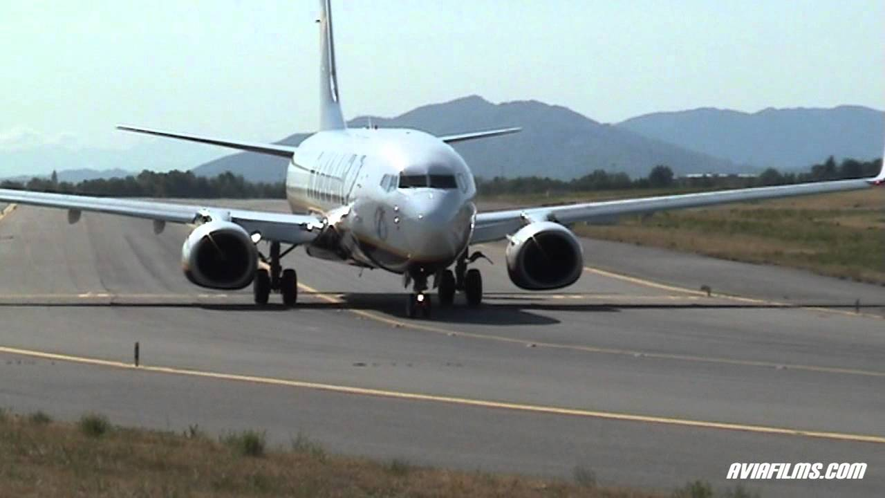 Plane Spotting: airplane take-off, landing and taxi - YouTube