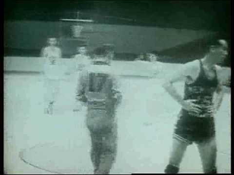 Knicks win first NBA game 1946