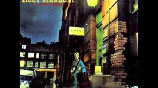 Watch David Bowie Lady Stardust video