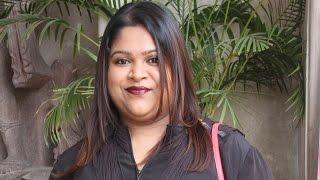 Please watch Maalai Nerathu Mayakkam with an open mind - Gitanjali selvaraghavan