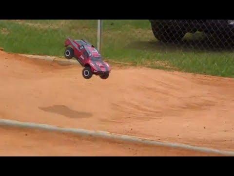 Losi TEN-SCTE 4x4 practice at Phil Hurd Raceway