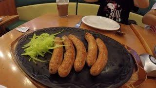 Еда в Китае. Saizeriya смесь китайской и европейской кухни.