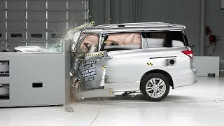 2014 Nissan Quest small overlap IIHS crash test