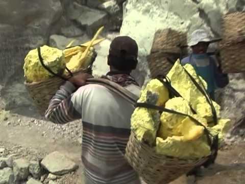 Kawah Ijen: Sulfur Mining