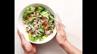Σαλάτα με αβοκάντο και τόνο | The Eaters | Olivemagazine.gr |