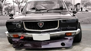当時の改造車そのままのオーバーフェンダーがよく似合マツダ・サバンナ ...