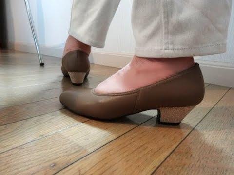 裸足で履きたい革のパンプス・Roserisのオーダーシューズレオノーラ