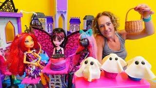 Tolle Spielsachen - Spielspaß mit Play-Doh - Wir machen Cupcakes für die Monster High Puppen