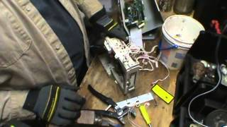 How to scrap a 6 disc CD Changer for copper and gold!!