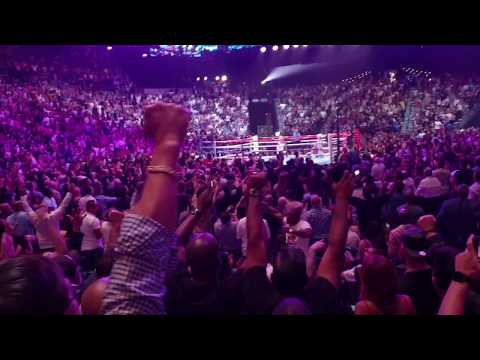 Manny Pacquio vs Keith thurman. Knockdown in round 1 audience reaction!