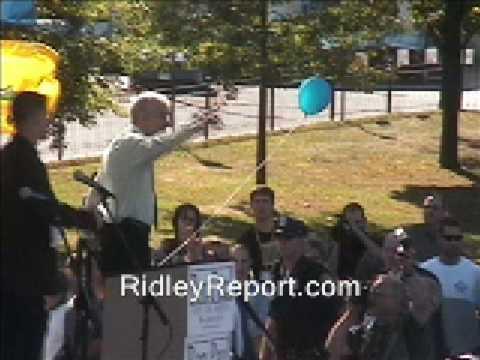 Ron Paul backs assault on congressional pay raises