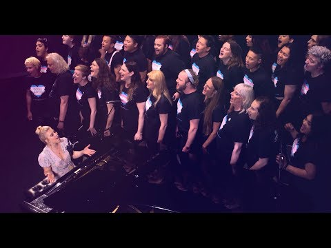 'Don't Give Up' LIVE (Maggie Szabo & The Trans Chorus of LA)