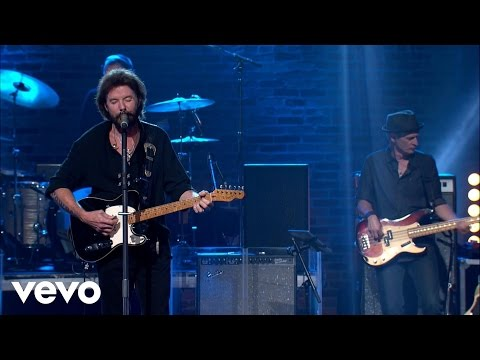 "Ronnie Dunn - Ronnie Dunn ""Ain't No Trucks In Texas"" on Front And Center (Live)"