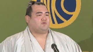 1月の大相撲初場所で日本出身力士10年ぶりの優勝を達成した大関琴奨...