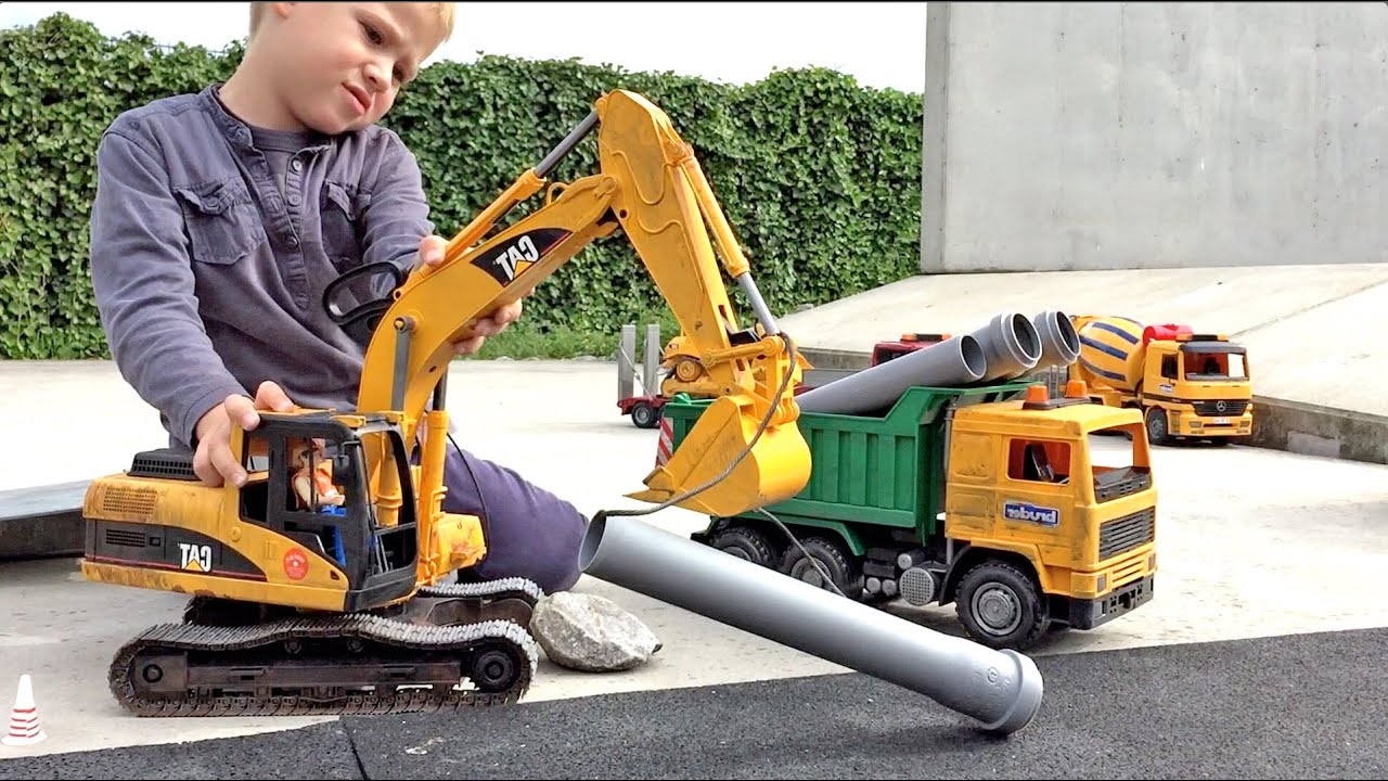 BRUDER TOYS Caterpillar Excavator in the Line of Duty ...