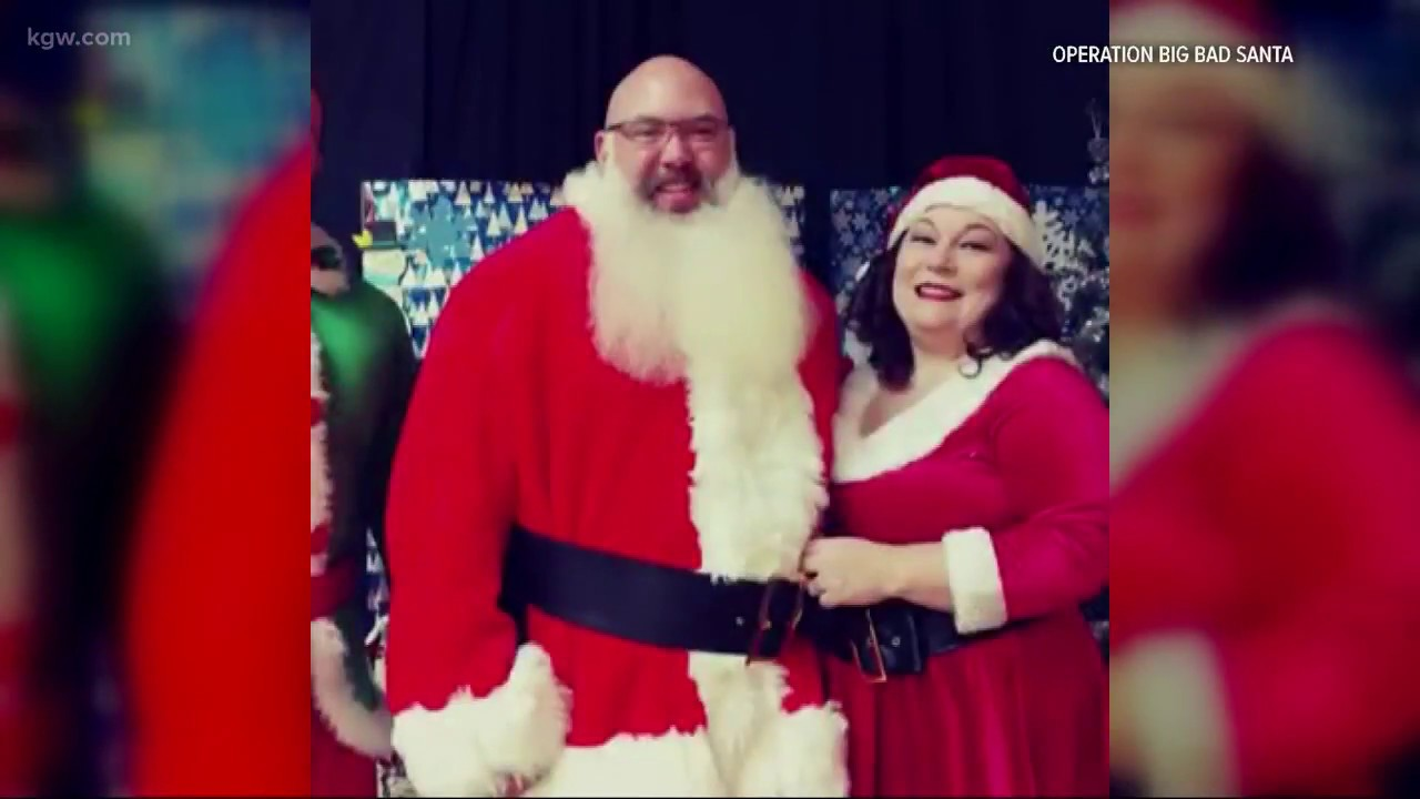 Cassidy Works Out With The World S Strongest Santa Youtube