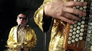 Attwenger - shakin my brain (official music video)